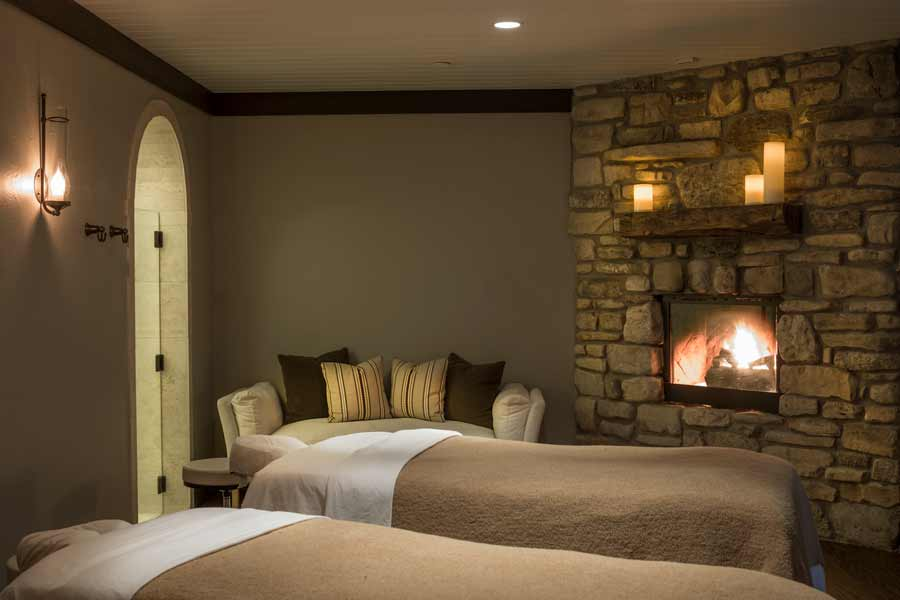 Double massage table room at Cedar Creek Spa at Big Cedar