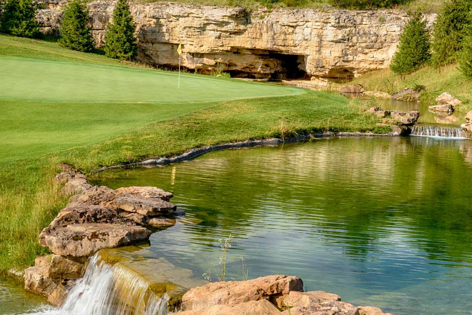 Buffalo Ridge Springs Golf Course - Hole 17 - Golf at Big Cedar Lodge