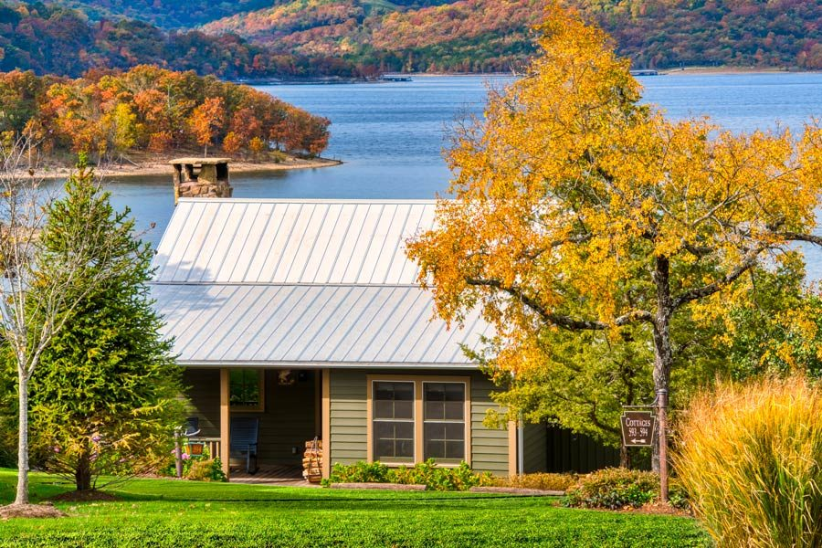 Lakeside private cottage accommodation on Table Rock Lake at Big Cedar