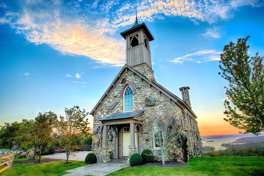 Chapel of the Ozarks Image