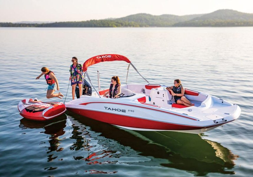 Tahoe 2150 Boat Rental at Big Cedar